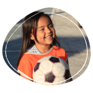Significa un mes completo de sesión sociodeportivas para un niño o niña.